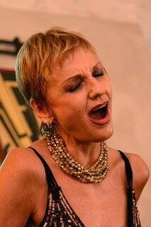 Midsummer Night: recital sull'amore ed emozioni